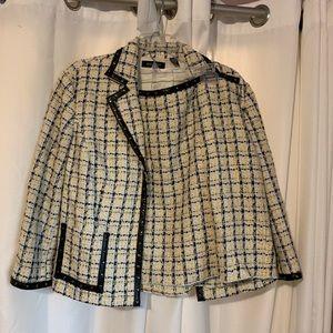 Very comfortable matching skirt and blazer.